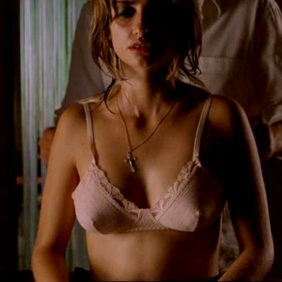 Penelope Cruz Topless In 'Don't Move'