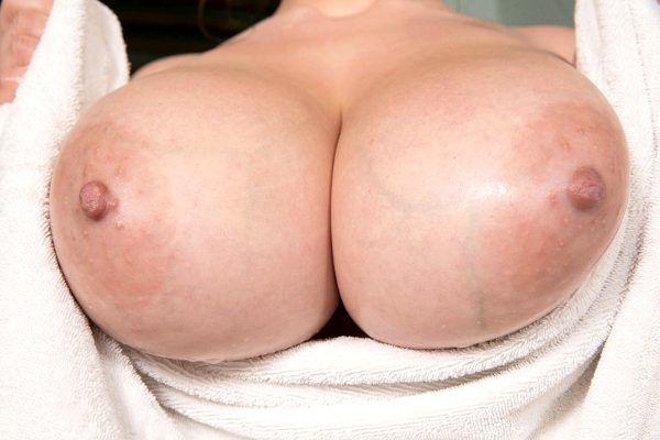 huge-fat-fucking-tits_008-54