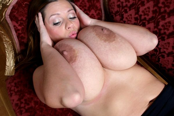 huge-fucking-tits_009-147